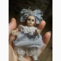 Кукла маленькая фарфоровая Малышка с бантом