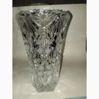 Чешская хрустальная ваза под цветы